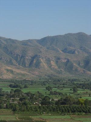 Blick auf die Shan-Berge vom Yankin Hill.