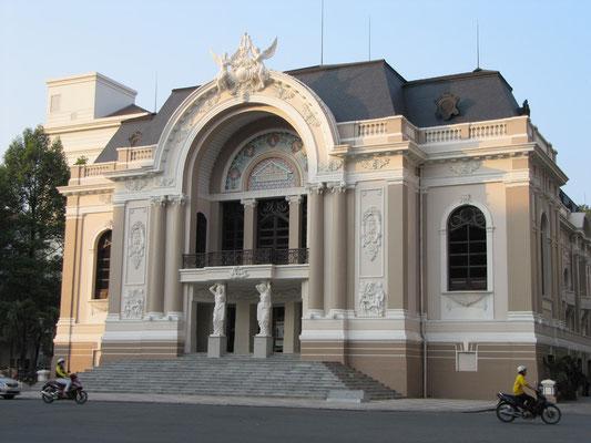 Das Stadttheater.