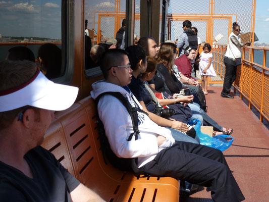 Auf der Staten Island Ferry.