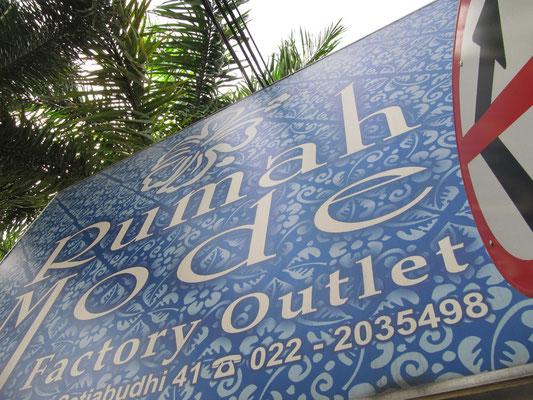 """""""Rumah Mode"""" ist eines der bekanntesten Outlets in Bandung. Wir haben auch zugeschlagen."""