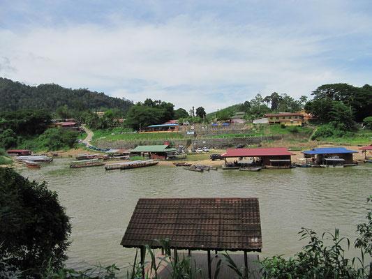 Blick auf Kampung Kuala Tahan, das Dörfchen in dem wir wohnten  während unseres Aufenthaltes im Taman Negara.