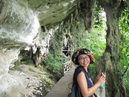 "Eingang zur ""Trader's Cave""."
