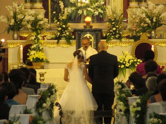 Heiratswillige im Templo de La Recoleta.