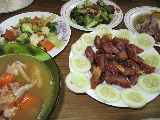 Lor Bak - Marinated minced pork, then roll in thin soybean sheets and then deep fried. Usually served with small bowl of Loh (a thick broth thickened with corn starch and beaten eggs) and chili sauce. Mixed Vegies & typical chinese herbal chicken soup.