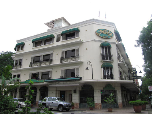 The Jesselton Hotel. (Jalan Gaya)