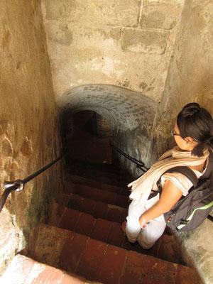 Runter ins riesige Tunnelsystem, das der Evakuierung und als Vorratskammer diente.