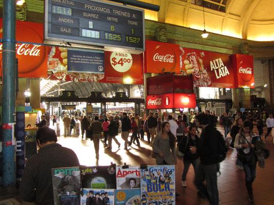Im Bahnhof für die Lokalzüge.
