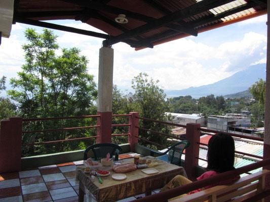Unsere Terrasse, unser Frühstück.