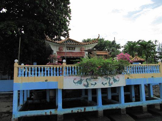 Tempel. (Batu Maung)