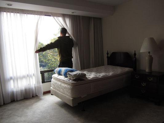 Unser luxuriöses Zimmer im teuren Botschaftenviertel. Unsere Wohnung hatte 5 Badezimmer.