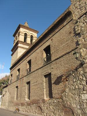 """Die Manzana de los Jesuitas besitzt unter anderem die älteste noch erhaltenen Kirche Argentiniens, die Compañía de Jesús von 1671. Der gesamte""""Block der Jesuiten"""" wurde 2000 zum Weltkulturerbe der UNESCO erklärt."""