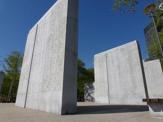 Der niederländische Gartengestalter Piet Oudolf legte hier den Garden of Remembrance an, der an die Opfer der Terroranschläge am 11. September 2001 erinnern soll.