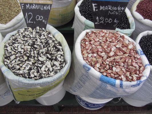 Bohnen. Bohnen, Bohnen auf dem Markt.