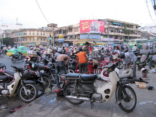 Noch mehr Verkehr in Chinatown.