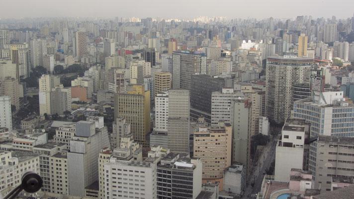 """Blick auf das """"Moster"""" Sao Paulo."""