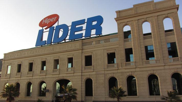Unser geliebter großer Lider-Supermarkt lag direkt vor unserer Wohnung. Klar das wir schnell zu Stammgästen wurden.