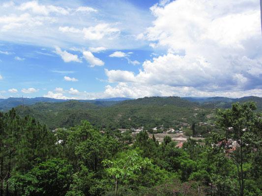 Blick auf Gracias. (Castillo San Cristobal)
