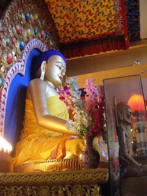 Buddha in einem lokalen Tempel.