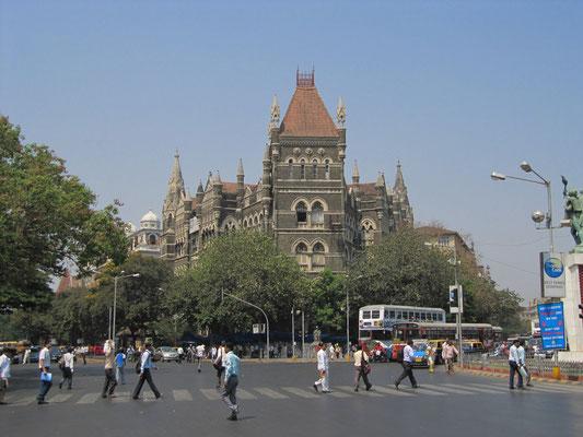 Schönes Mumbai. Oder wo gibt es Gebäude wie dieses von dem man nicht mal den Namen kennt.