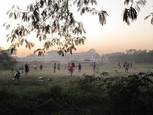 Fußball ist auch in Myanmar beliebt.