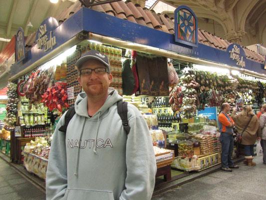 Sebastian gefällt's. (Mercado Central)