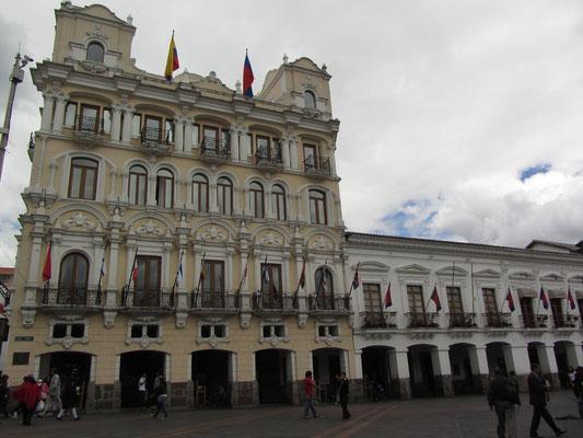 Palast des Erzbischofs. (Plaza Grande)