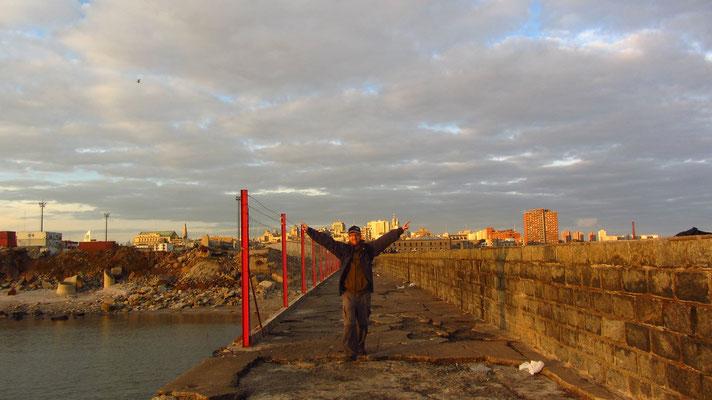 Escollera Sarandi am Hafen.