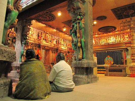 Im Sri Veeramakaliamman Temple. (Little India)