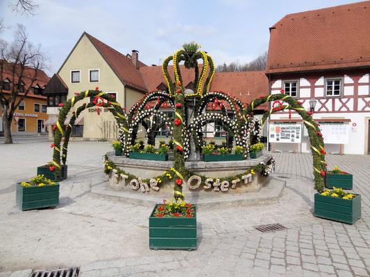 Typischer Osterbrunnen in der Fränkischen Schweiz