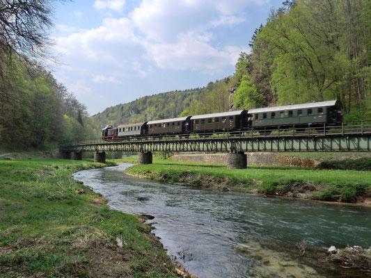 Mit der alten Dampfeisenbahn durch die Fränkische