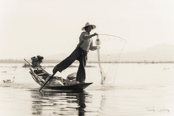 Pêcheur Intha