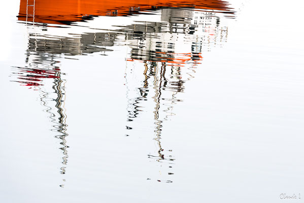 Reflet dans le port d'Hamnoy