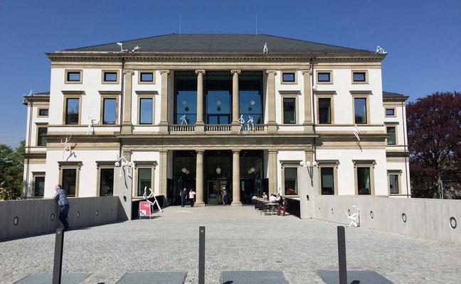Hintereingang des neuen Stadtpalais