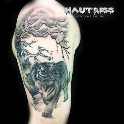 Cover-Up/Auffrisch-Tattoo Tiger fertig