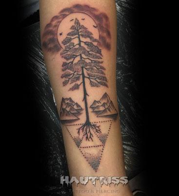Tattoo Baum, Berge