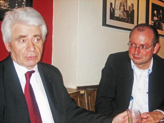 Schachweltmeister Boris Spasski und Christian Hesse bei einem Essen in Bonn (21.1. 2007), @Susanna Poldauf