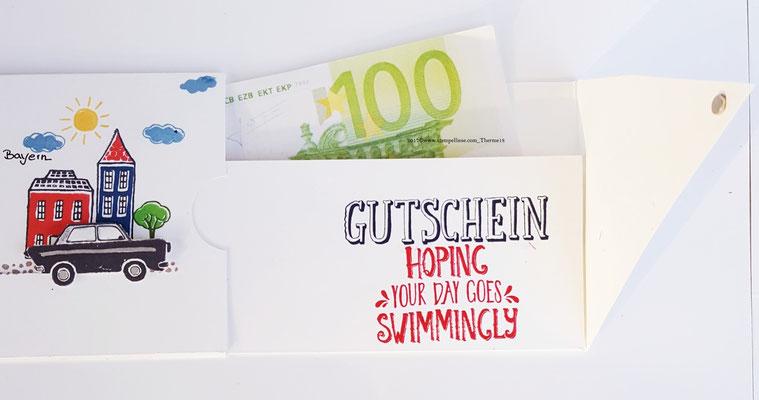 Hier befindet sich ein Fach für Geldnoten oder einen Gutschein. Gesichert durch eine Lasche mit Magneten.