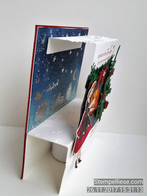 Unten kann man noch einen Schublade einschieben und die Karte zu stabilisieren.
