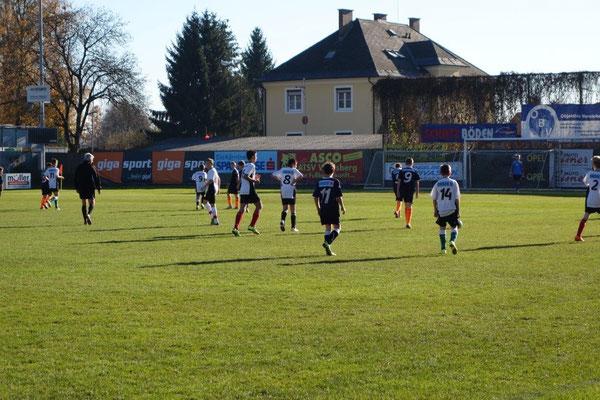 NMS Wo  gegen BG Tanzenberg 1:0 gewonnen am 18.11.2015 am ATSV Platz