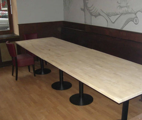 Holztisch Gaststätte