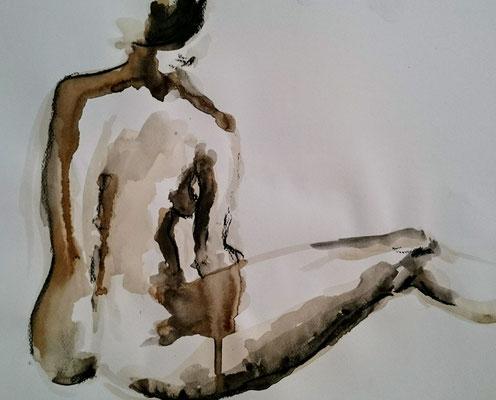 Femme à la jambe allongée Encre, brou de noix et pastel sec 2017