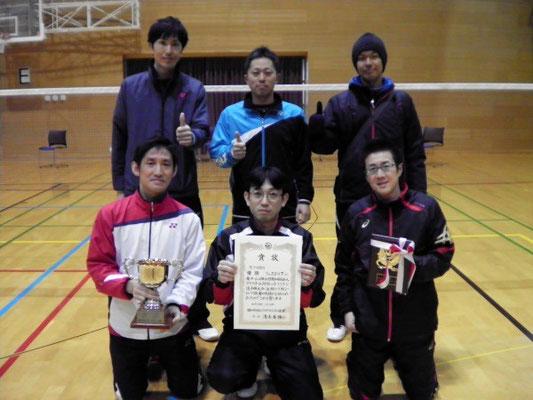 8部を優勝した男子ウィスタリアCチーム