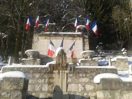 Monument aux morts Montbenoit