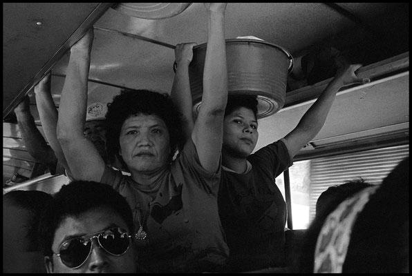 Dans le bus entre Guatemala city et San Salvador janvier 1992
