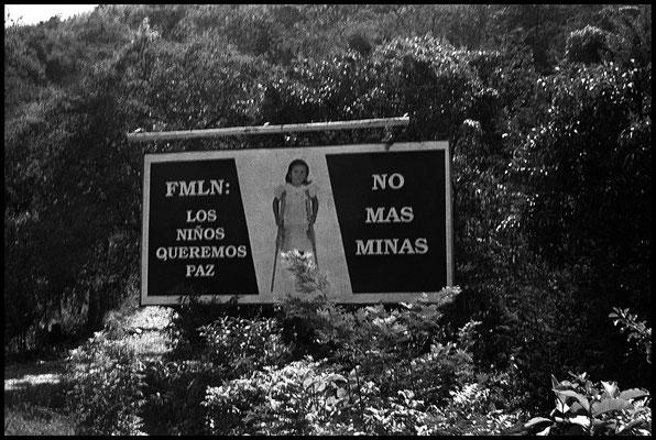 sur la route entre La Libertad et San Salvador janvier1992