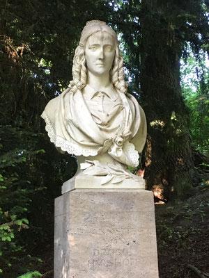 """Annette von Droste-Hülshoff, Dichterin und Schutzengel für den """"Sketch for a fountain"""""""