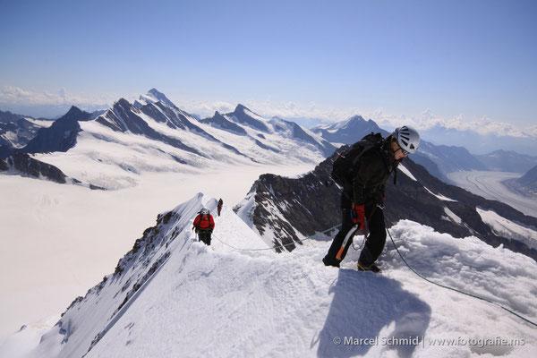 Die letzten Meter zum Mönch, 4107 m.ü.M., Berner Oberland