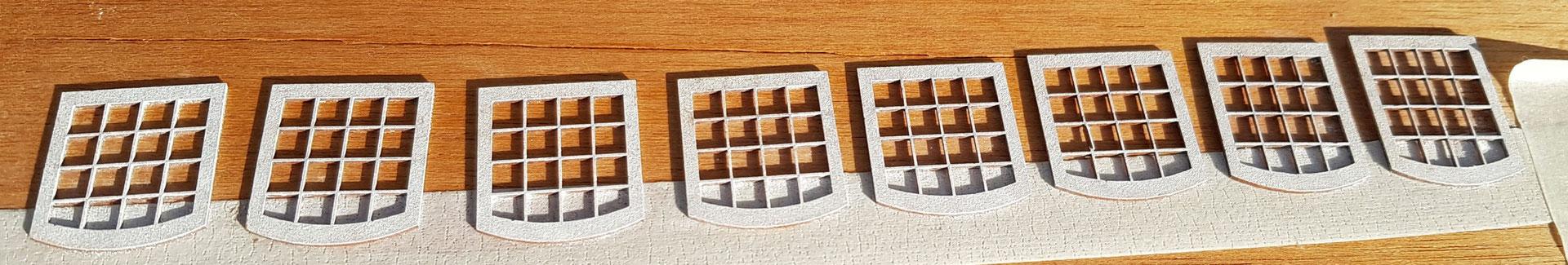 Fenster mit zwei PanPastel Farbauftrag weiß und Klarlack