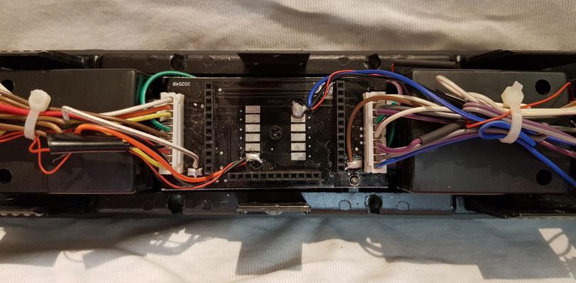 Aufnahmeplatine für den ESU Lokdecoder