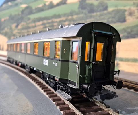 D29 - mit eingefahrenem Faltenbalg